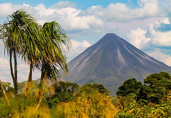volcano2-1915.jpg